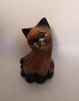 Отдается в дар Деревянная фигурка кошка