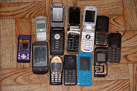 Отдается в дар Неисправные мобильные телефоны.