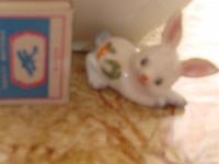 Отдается в дар Маленький керамический заяц