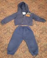 Отдается в дар Детский спортивный костюмчик