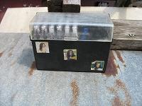 Отдается в дар аудиокассеты от ешко с коробочкой для хранения