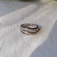 Отдается в дар Серебряное кольцо (второе) с цирконами р 16