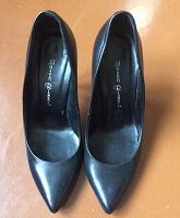 Отдается в дар Женские кожаные туфли