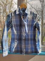 Отдается в дар Женская рубашка 40-42