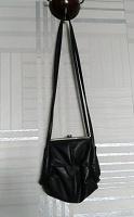 Отдается в дар Аксессуары — сумочка, подтяжки