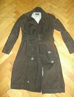 Отдается в дар Вельветовое пальто р.42-44.