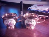 Отдается в дар Две чайные чашки.