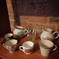 Отдается в дар Кофейные чашки, молчники, блюдца.