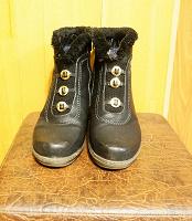Отдается в дар Сапоги полусапожки черные теплые 41 разм.