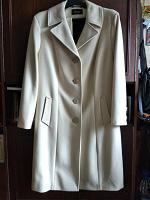 Отдается в дар Осеннее пальто 56 размер