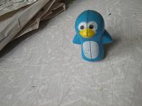 Отдается в дар Пингвин игрушка мелкая каталочка