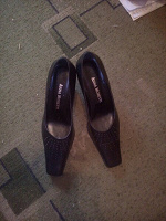 Отдается в дар Кожаные новые туфли
