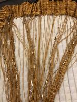 Отдается в дар Штора Кисея золотистая с бусинами