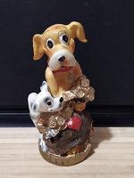 Отдается в дар Статуэтка собаки на мешке с монетами