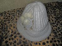Отдается в дар Женские шапки