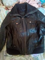 Отдается в дар Кожаная куртка. Размер L.
