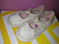 Отдается в дар Обувь на девочку