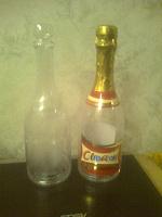 Отдается в дар 2 пластиковые бутылки под декупаж