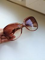Отдается в дар Женские солнцезащитные очки