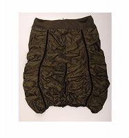 Отдается в дар Новая юбка с микродефектом.