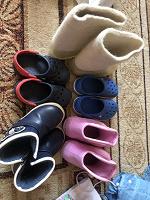 Отдается в дар Одежда и обувь для девочки 92-98 размер