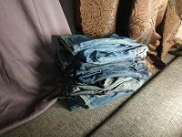 Отдается в дар Старые джинсы на шитьё