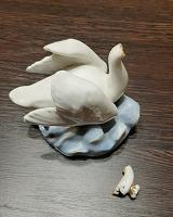 Отдается в дар Фарфоровая статуэтка Царевна-лебедь