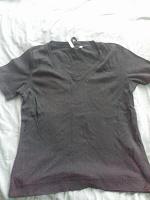 Отдается в дар Три чёрные футболки р-р 50-52