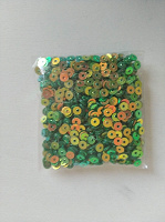 Отдается в дар Пайетки зеленые хамелион