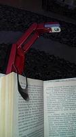 Отдается в дар Фонарик для книголюбов