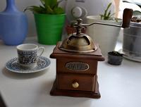 Отдается в дар кофемолка деревянная