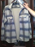 Отдается в дар Мужская рубашка, тёплая, состояние на 4+ (есть немного катушков)