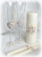 Отдается в дар Свадебные бокалы и свеча и…