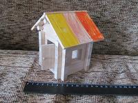 Отдается в дар Домик деревянный с открывающейся дверкой