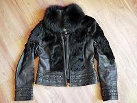 Отдается в дар Кожаная куртка. Размер М.