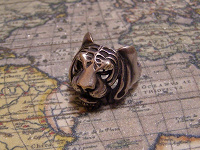 Отдается в дар Мужской перстень Тигр из ювелирной стали.