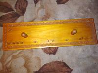 Отдается в дар Вешалка навесная деревянная