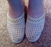 Отдается в дар Женская летняя обувка