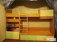 Отдается в дар Детская мебель — 2-х этажная кровать+стол+шкаф