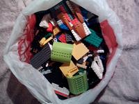 Отдается в дар Конструктор Lego и «не Lego»