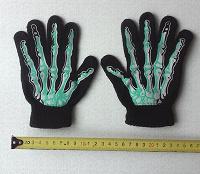 Отдается в дар Детские перчатки с костями