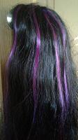 Отдается в дар парик черный с фиолетовыми прядями