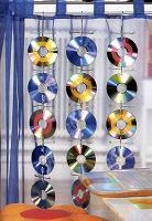 Отдается в дар CD — использованные старые диски для творчества.