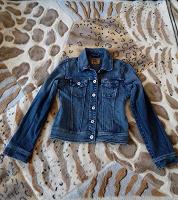 Отдается в дар Куртка джинсовая 40р