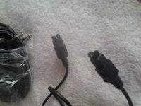 Отдается в дар 2 зарядки на одной написано Sony Ericsson