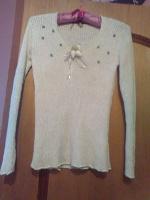Отдается в дар свитер 42-44