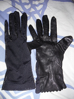 Отдается в дар Перчатки кожаные.