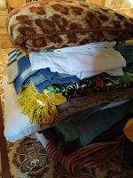 Отдается в дар Ветхие одеяла пледы подушки в приют для животных или на утепление