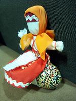 Отдается в дар Куколка на пасхальное яичкоПодарочная куколка, в которую можно вставить яичко.