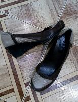 Отдается в дар женская обувь 42 р-р